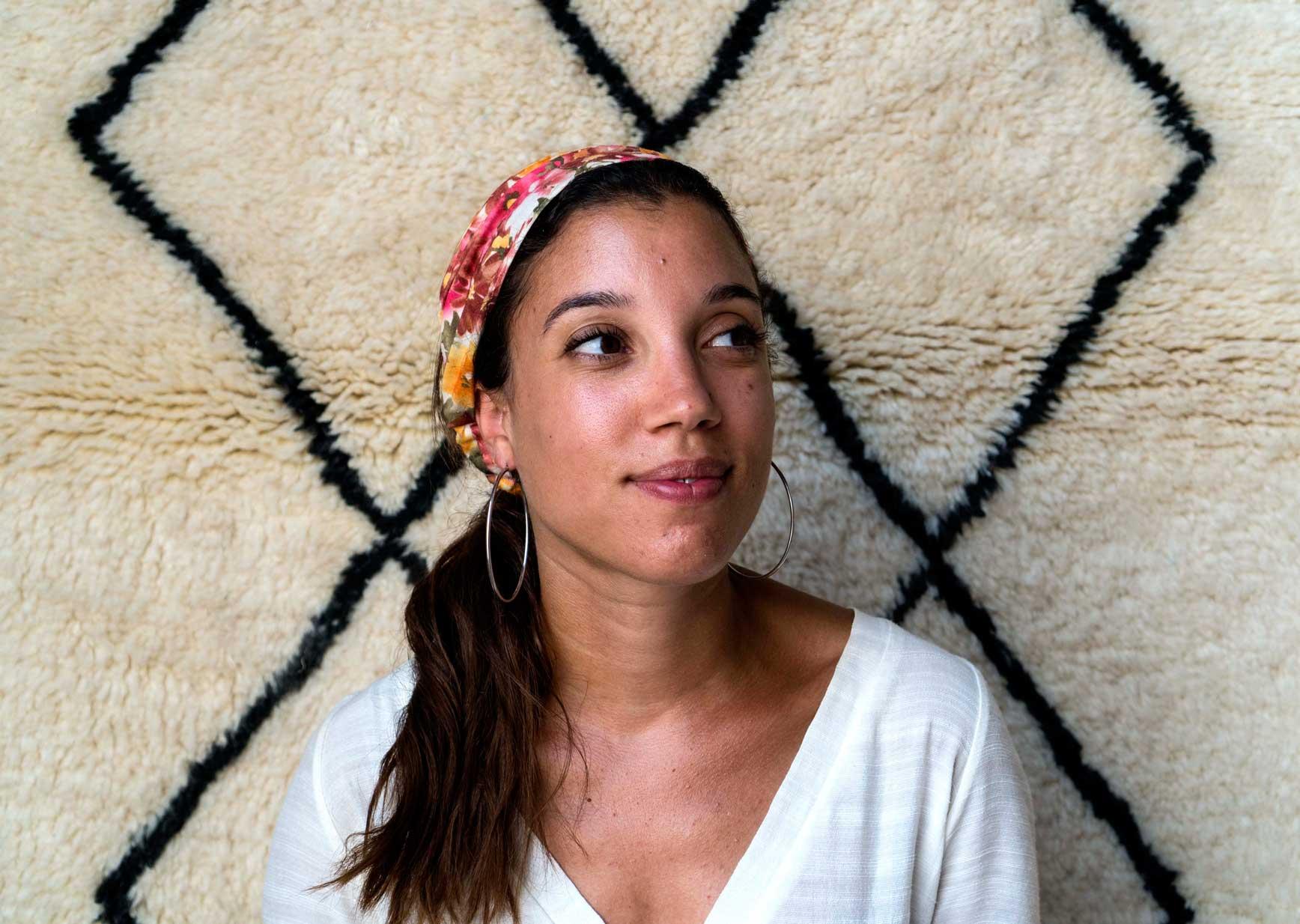 Nasia-Burnet-una-de-las-fundadoras-del-proyecto-de-alfombras-artesanales-Sukhi