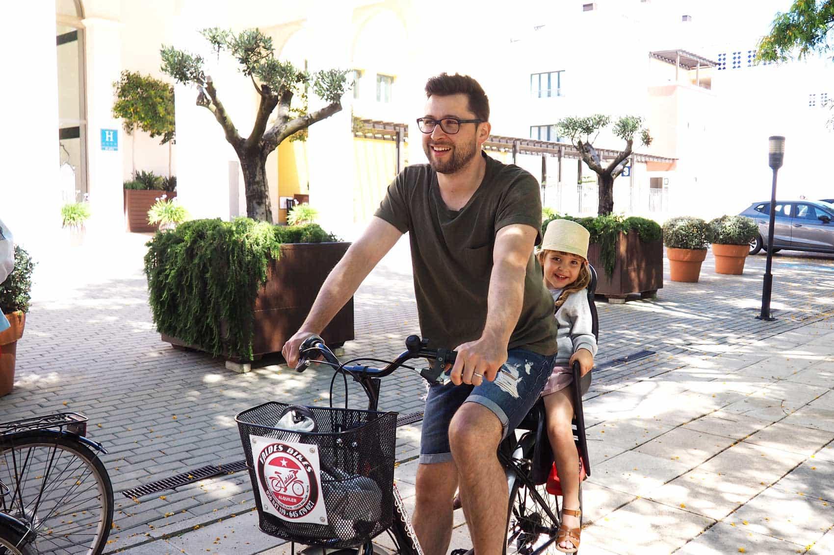 Barceló-Costa-Ballena_alquiler-de-bicis
