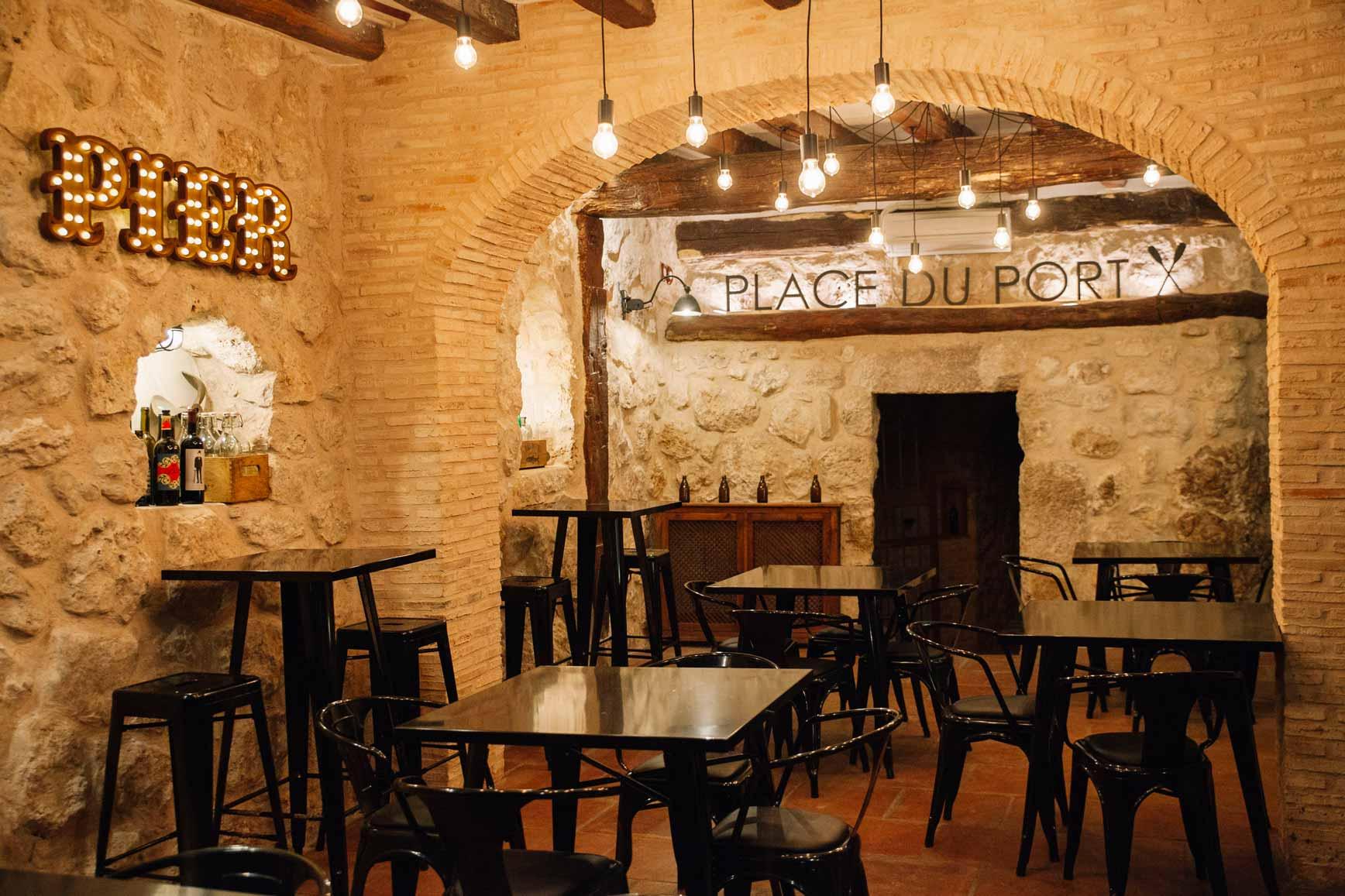 Place_du_Port_73