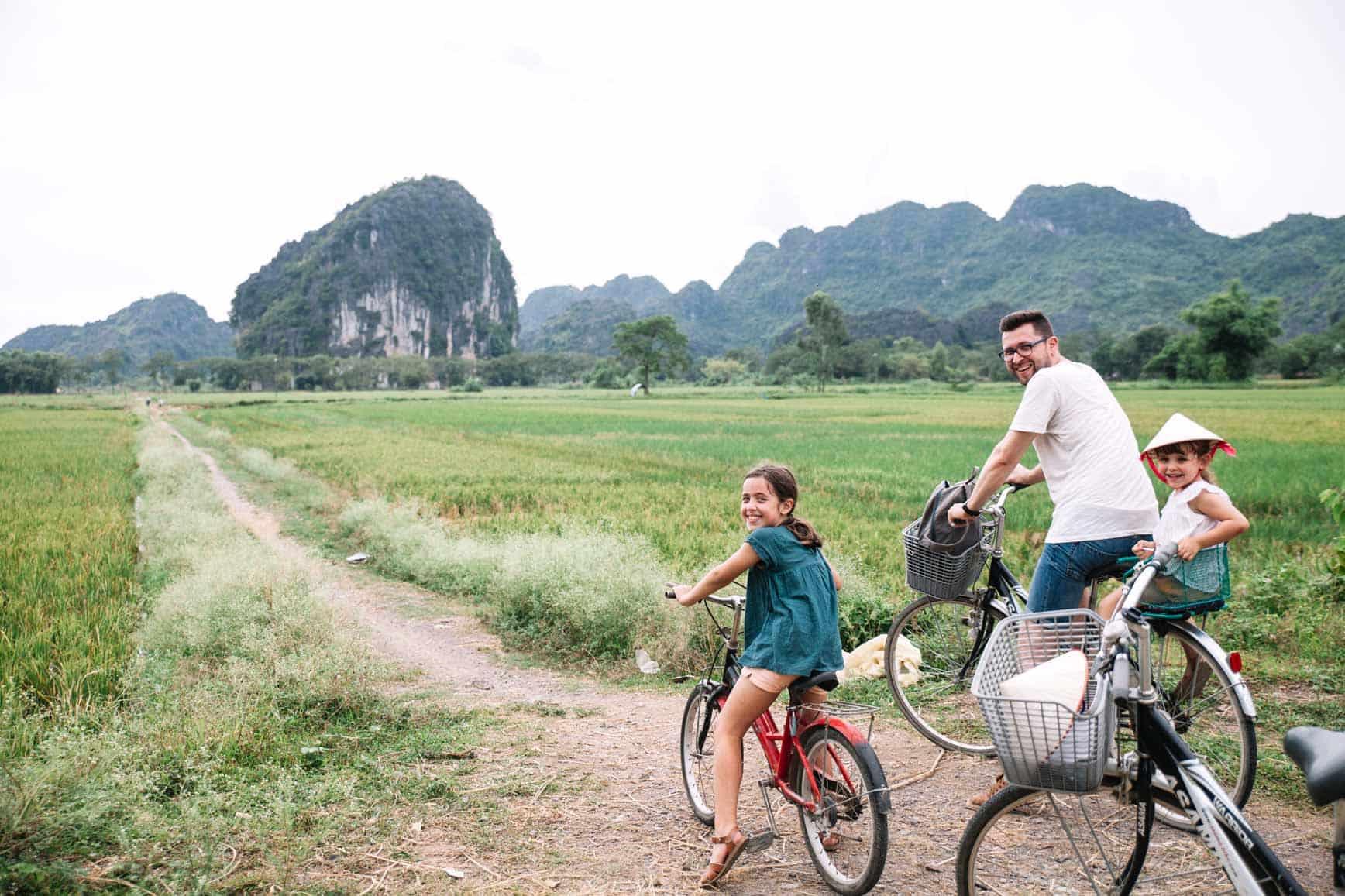 Alquilar bici en Vietnam con niños