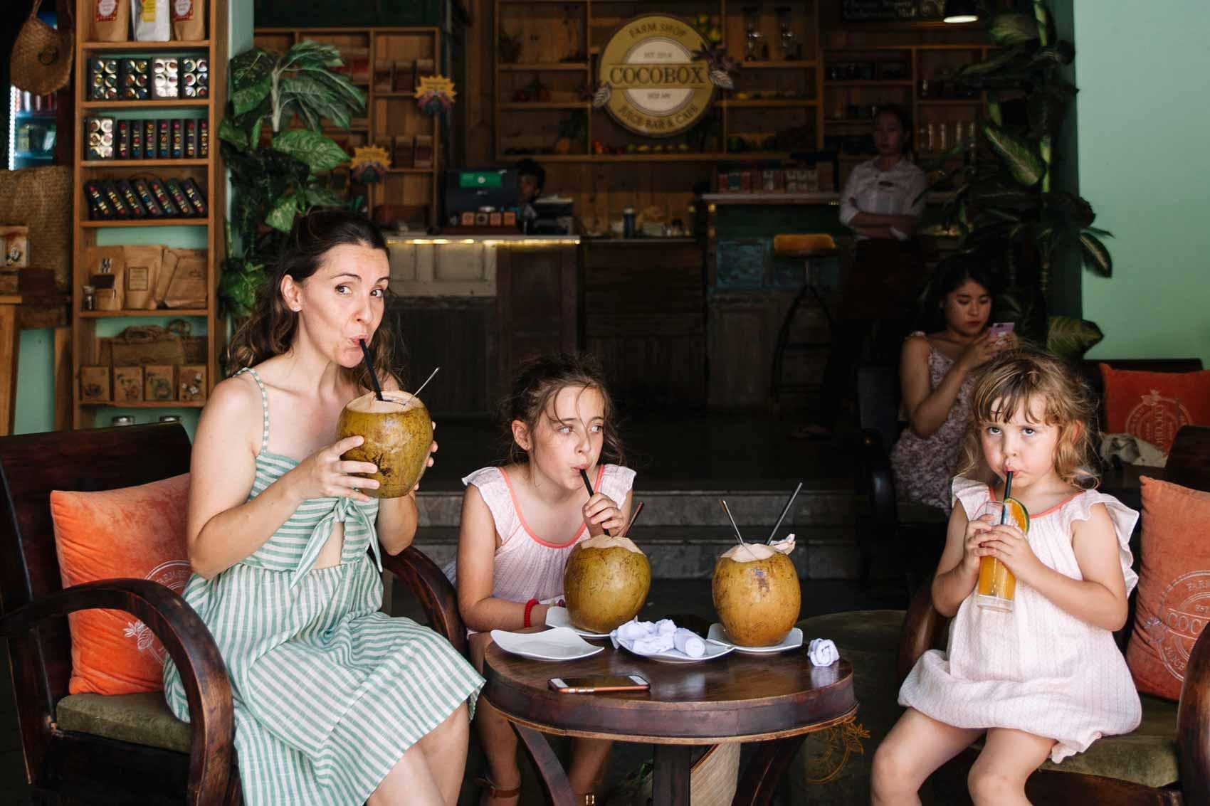 Comer en Vietnam con niños