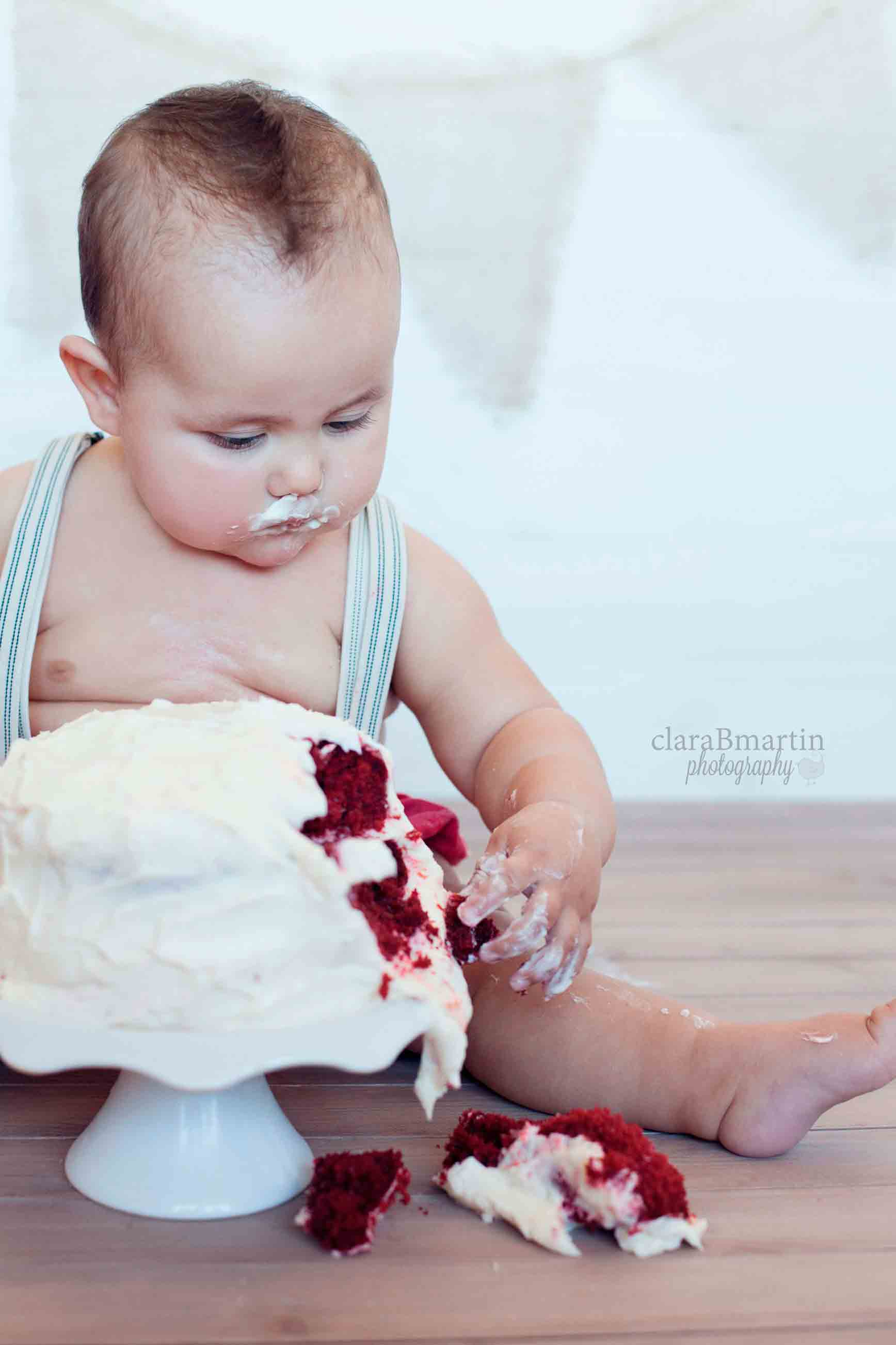 Guille- smash the cake
